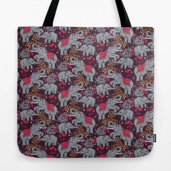 thai-elephants-family-uj8-bags